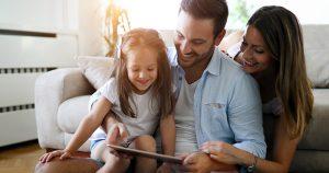 הזמנת חופשה משפחתית באינטרנט